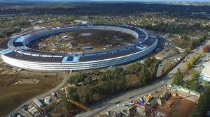watch new drone video shows apple u0027s u0027spaceship u0027 campus nearly