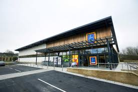 aldi cycling aldi uk supermarket giant aldi creating 120 new north east jobs the