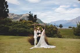 Wedding Flowers Queenstown Renae U0026 Danielle U0027s Queenstown Wool Shed Wedding U2014 Love The