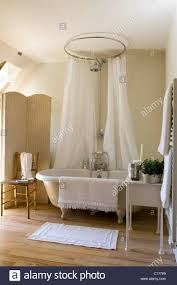 Small Cottage Bathroom Ideas by 32 Best Roll Top Bath With Shower Images On Pinterest Bathroom