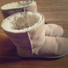 ugg boots sale jakes 26 ugg boots 6 month ugg boots from jake s closet on