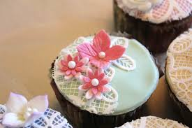 cupcakes with sugar lace karen u0027s sugar flower blog