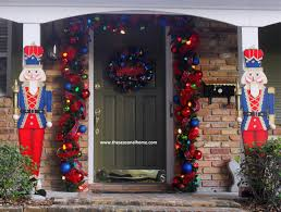 outstanding how can i decorate my front door for christmas ideas how to decorate my front door for christmas