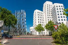 architektur dã sseldorf dusseldorf deutschland das neuer zollhof futuristisches gebäude