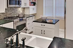 kleine küche mit kochinsel kleine küche mit kochinsel 24 elegante küchenlösungen
