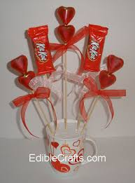 gift mugs with candy valentines gift ideas candy bouquet diy from ediblecrafts