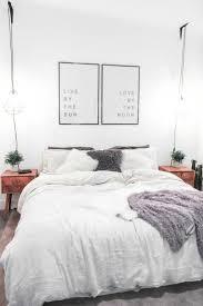 Apartment Bedroom Decorating Ideas On A Budget by Best 25 Vintage Apartment Decor Ideas On Pinterest Vintage