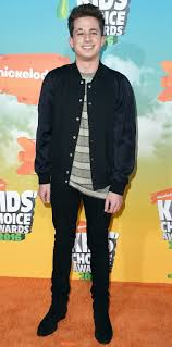 charlie puth jeans see the best looks from the 2016 kids choice awards orange carpet