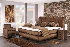 schlafzimmer boxspringbett schlafzimmer komplett einrichten und gestalten bei bettende