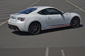 sporty toyota cars toyota gt86 blanco edition 2015 range topping model gets sporty