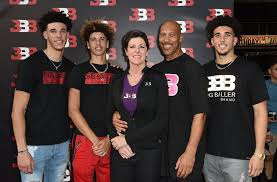 lakers rumors family series will not lonzo during c