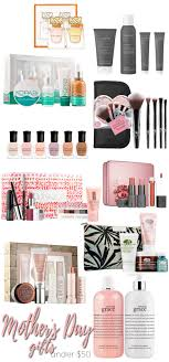 10 beauty gifts for mom mothers day gift guide 2017 10 mother s day beauty gifts under 50 makeup
