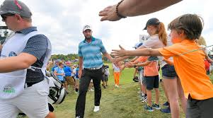 victory bmw marc leishman rolls to wire to wire victory at bmw chionship
