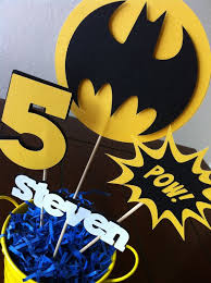 Batman Table Decorations Best 25 Superhero Centerpiece Ideas On Pinterest Super Hero