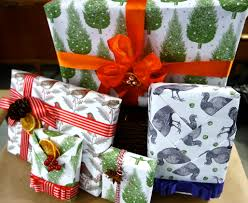 Christmas Gift Ideas For Instagram Lovers Hgtv U0027s Decorating 100 Basket Gift Wrap And That U0027s A Wrap Diy Christmas
