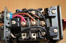help please wiring the switch to the motor