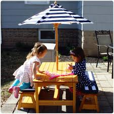 Kidkraft Outdoor Picnic Table by Where To Wednesday Outdoor Dining For Kids The Chirping Moms