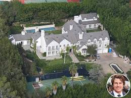 tom cruise mansion tom cruise is selling his beverly hills mansion people com