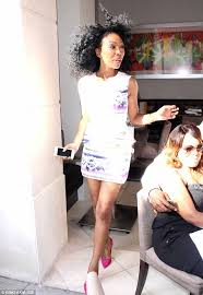 brandy the game hair cut brandy norwood displays her diy hair and make up look as she