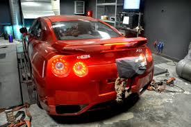 nissan skyline r35 quarter mile time europe u0027s fastest nissan gt r has 1 500hp and does the 1 4 mile in