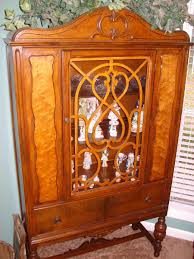 Maple Dining Room Set by Maple China Cabinet With Burl Inlay Along With Other Pieces Of The