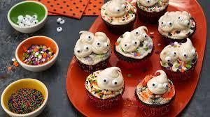 spooky ghost cupcakes recipe bettycrocker