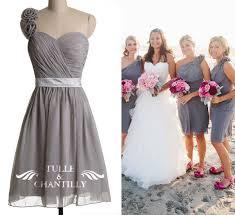 choosing the right bridesmaid dresses to vivify your beach wedding
