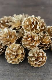 Gold Glitter Christmas Decorations by Best 25 Gold Christmas Decorations Ideas On Pinterest Gold