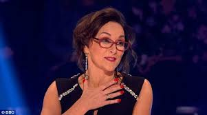 darcey bussell earrings strictly strictly shirley ballas is ignored by darcey bussell daily