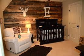 chambre bebe en bois chambre de bebe garcon deco daccoration bois marron pour cette