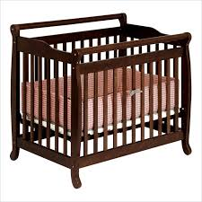 Davinci Mini Crib Emily Davinci Emily Mini 2 In 1 Convertible Wood Baby Crib In Espresso