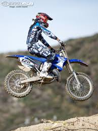 125 motocross bikes 2011 yamaha yz125 sra grand prix race test photos motorcycle usa