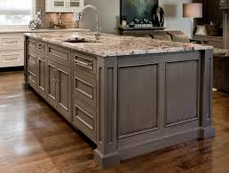 Paint Amp Glaze Kitchen Cabinets by Best 25 Grey Painted Kitchen Cabinets Ideas On Pinterest