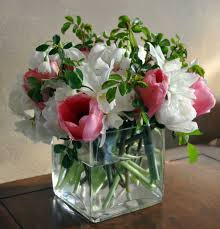office flower arrangements use floral designs in the office to