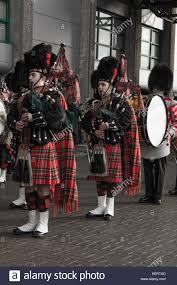 scottish pipers stock photos u0026 scottish pipers stock images alamy