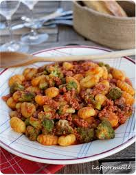 cuisiner brocolis a la poele delightful cuisiner brocolis a la poele 2 gnocchi saucisse