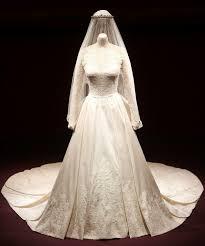 description of princess diana u0027s wedding dress the enchanted manor