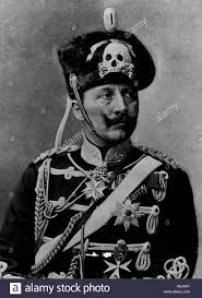 Kaiser Le Le Kaiser Guillaume Ii Tête De Mort Uniforme Des Hussards Vers 1917