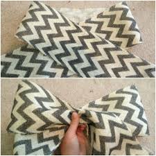 how to make a bow lay your ribbon or burlap on the floor and