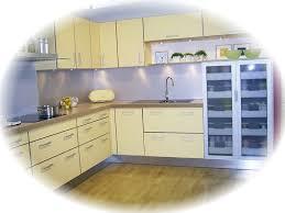gelbe k che gemütliche innenarchitektur gemütliches zuhause arbeitsplatte