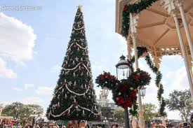 7 favorite christmas trees at disney world u2013 disneylists com