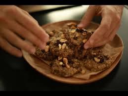 hervé cuisine cookies recette des magic cookies sans cuisson chocolat avoine cacahuètes