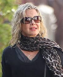 olivia newton john hairstyles olivia newton john sunglasses looks stylebistro