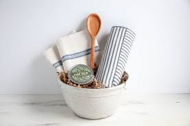 Baking Gift Basket Teaselwood Holiday Gift Giving Guide Build A Basket In 5 Easy