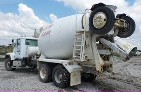 1998 international paystar 5000 mixer truck item k4599 s
