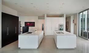 cuisine design blanche design blanche avec deux ilots