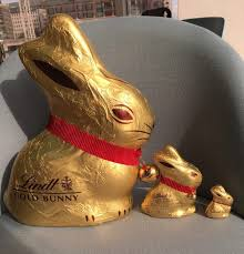 lindt easter bunny 1kg gold bunny by lindt woman s own