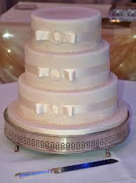 simple ribbon wedding cake brighton cakes wedding thistle hotel