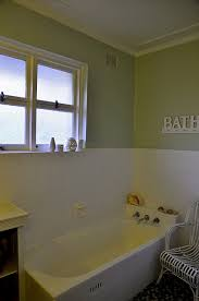 Painting Bathroom Tile by The 25 Best How To Paint Tiles Ideas On Pinterest Paint
