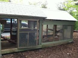 coop design for easy cleaning backyard chickens